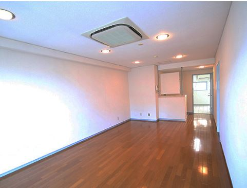 <RENTED>2LDK apartment in popular Kitano area in Kobe