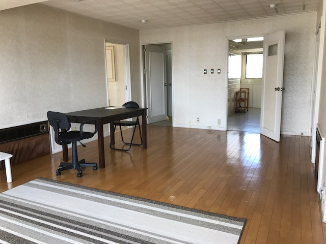 NOW RENTED! Spacious western-style 2LDK , can be used as SOHO