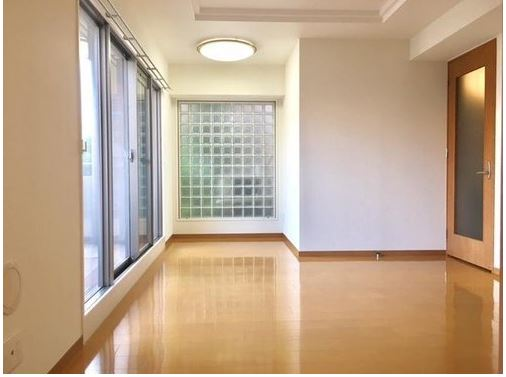 4 minutes walk to Shinkobe Station: LDK+F in Kitano, Kobe