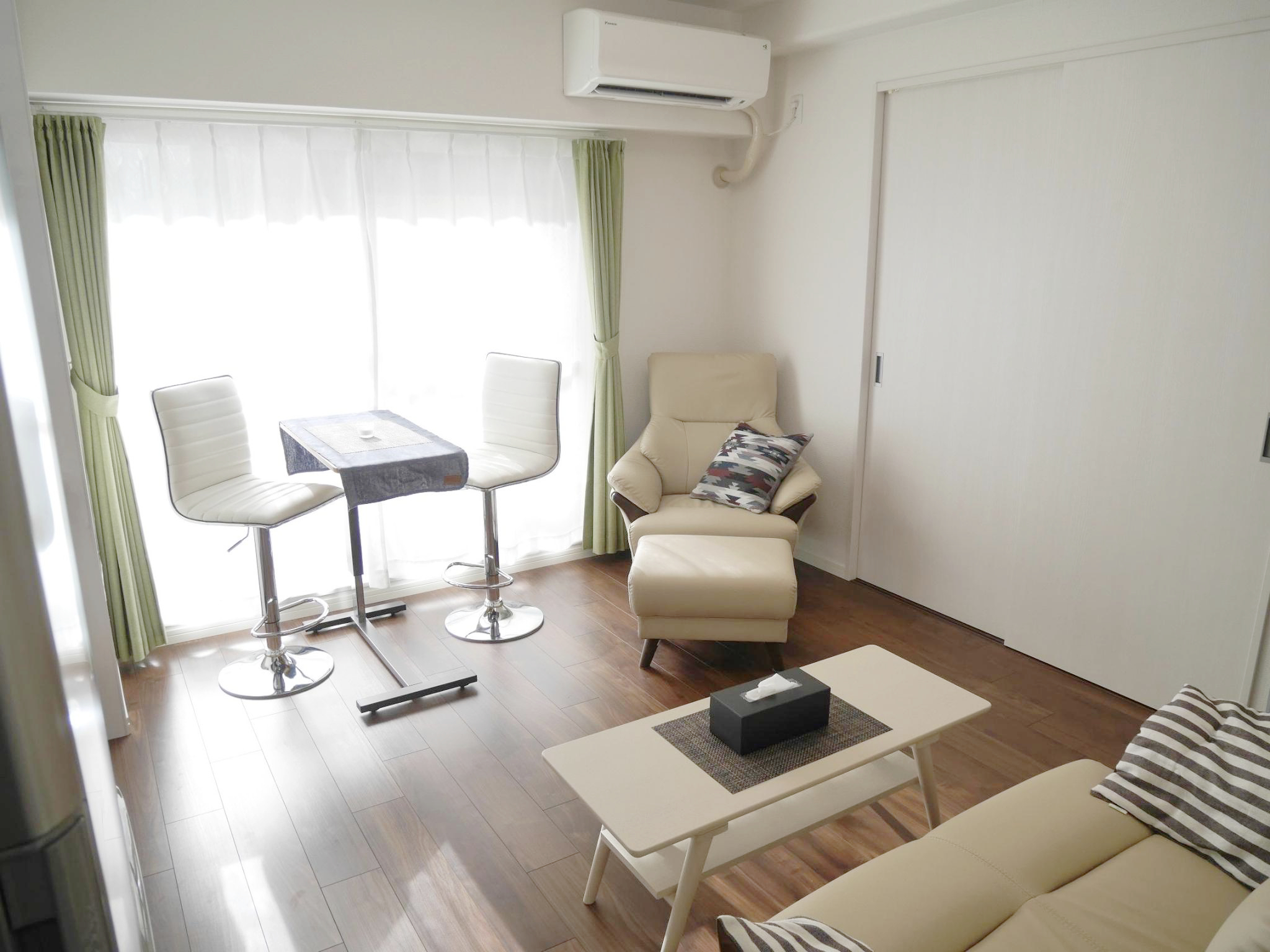 Fully Furnished Apartment in Central Osaka!