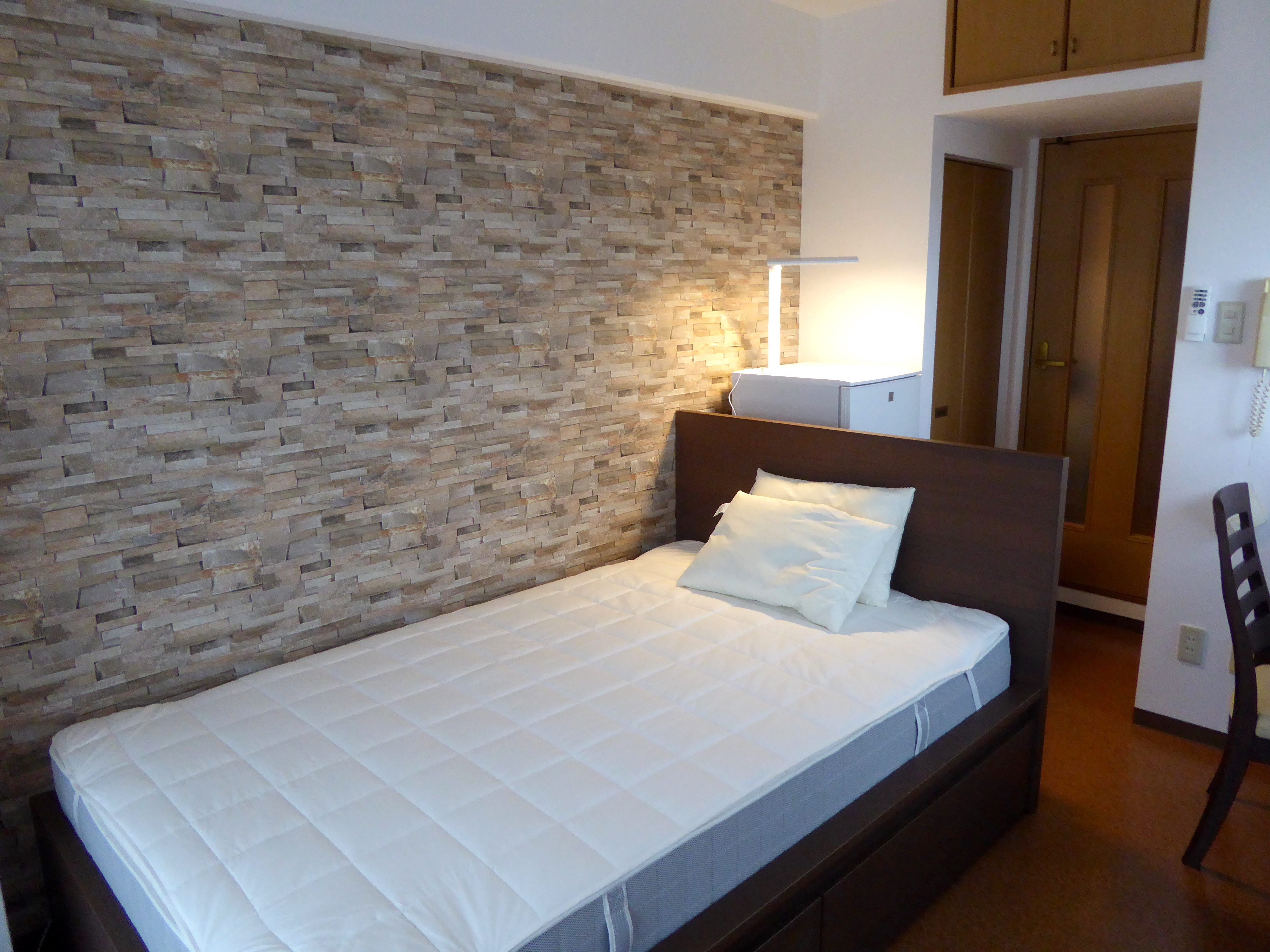 <RENTED>Compact Furnished 1K apartment in convenient Shinkobe area