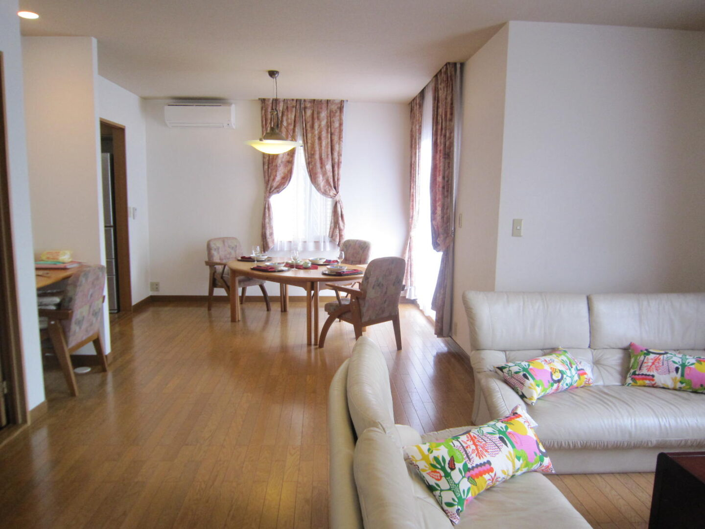 Furnished House in Rokko Isaland with 2 car parking space!